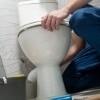 <h3>שימוש בשירותים בזמן שיש נזילה בשירותים</h3>